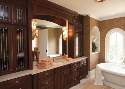 Bath-Kemper-Traditional-Bathroom-with-Glass-Cabinet-Doors