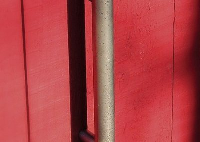 Colonial-Bronze-Large-Pull-on-Red-Door