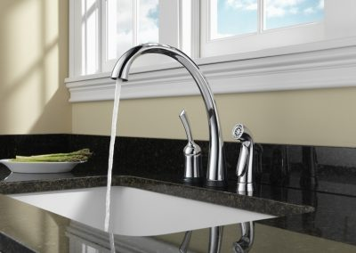 Delta-Pilar-Waterfall-Touch-with-Spray-Chrome-Concept
