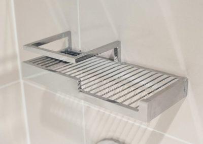 Kartners_EauClaire_Shower_Shelf