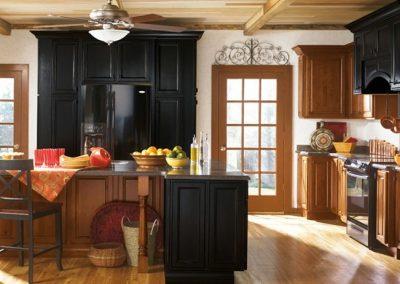 Kemper-Alder-Kitchen-Cabinets-with-Black-Cabinet-Accents