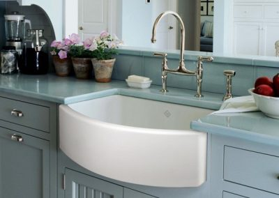 Rohl-Shaws-Bowed-Waterside-Apron-Sink-with-Bridge-Faucet