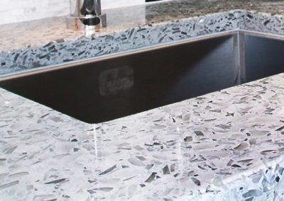 Vetrazzo-Umbo-White-Sink-Closeup
